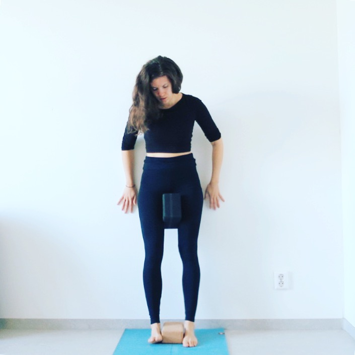 Daily awareness by practising yoga for scoliosis